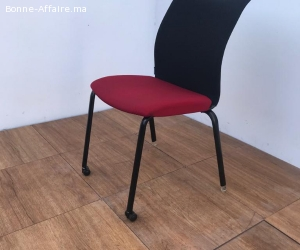 Chaise accueil ADD FORM ROUGE EMPILABLE 100% RECYCLABLE