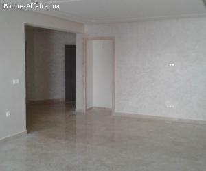 en location une bel appartement vide a centre ville