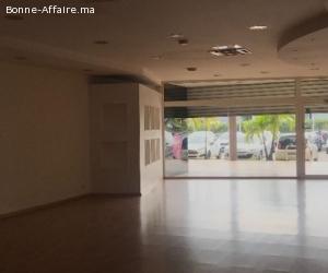 local commercial 140 m² avec mezzanine à guéliz