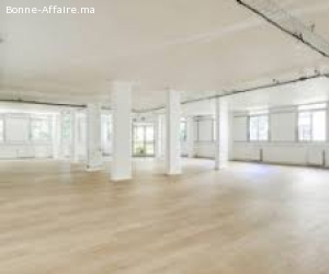 local commercial 180 m² en location