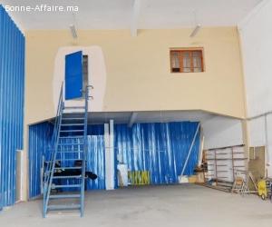 Local industriel de 370 m² à Bouskoura