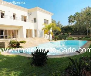 Location d'une villa d'architecte avec piscine à Bir Kacem