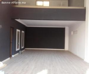 Magasin 78m² avec mezzanine en location