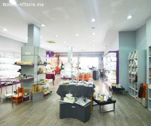 Magasin  de 250 m² à vendre  Avenue 2 Mars