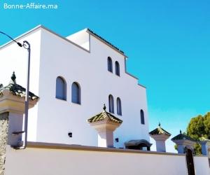 Maison à la vente à Asilah. Superficie 900 m². Belle terrass