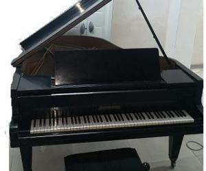 PIANO   EN TRES BON ETAT