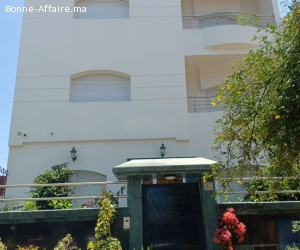 Vente villa en deux façades  titrée àTemara centre.
