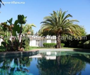 Villa à louer avec piscine  et chauffage central à Souissi